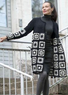 Transcendent Crochet a Solid Granny Square Ideas. Inconceivable Crochet a Solid Granny Square Ideas. Gilet Crochet, Crochet Coat, Crochet Jacket, Crochet Cardigan, Crochet Shawl, Irish Crochet, Crochet Clothes, Crochet Winter, Knitted Coat