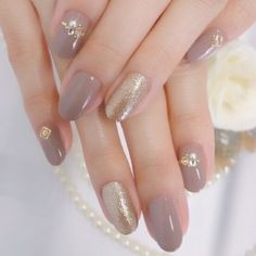 48 Ideas Wedding Nails Glitter Gold Simple For 2019 Classy Nails, Simple Nails, Trendy Nails, Gray Nails, Love Nails, Fun Nails, Lilac Nails, Classy Nail Designs, Gel Nail Designs