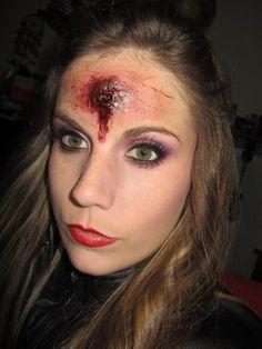Consigue un maquillaje para Halloween con los mejores trucos, sigue el paso a paso aquí... http://www.1001consejos.com/trucos-de-maquillaje-para-halloween/