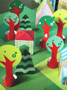 printable neighborhood – paper houses and a forest full of trees… Diy Crafts For Kids, Arts And Crafts, Diy Paper, Paper Crafts, Cardboard City, Toy Trees, Theme Nature, Paper Houses, Home And Deco