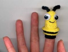 10 Finger Puppet FREE Crochet Patterns: Bee Finger Puppet Free Crochet Pattern
