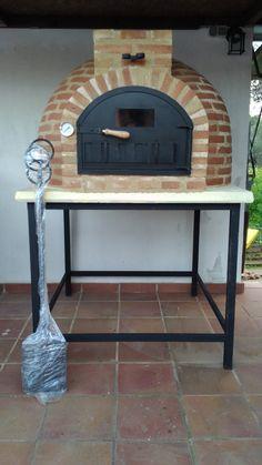 Hornos de leña de Pereruela montado acabado en ladrillo, vendido en la Feria de Zafra 2015. El horno de barro fue colocado en Huelva.
