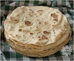 Soft, homemade lavash recipe suitable for wrapping recipes backen backen rezepte bread bread bread Pizza Recipes, Bread Recipes, Dessert Recipes, Gourmet Desserts, Cheesecake Classique, Homemade Pizza Rolls, Good Pizza, Pizza Pizza, Dessert Bread