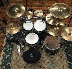 Drum Sets, Snare Drum, Crown Jewels, Guitars, Engine, Music Instruments, Studio, Amazing, Room