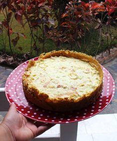 Torta salgada com massa de grão de bico