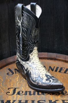 Custom Cowboy Boots, Cowboy And Cowgirl, Cowgirl Boots, Cowboy Hats, Bota Country, Country Boots, Country Outfits, Botas Western, Western Boots