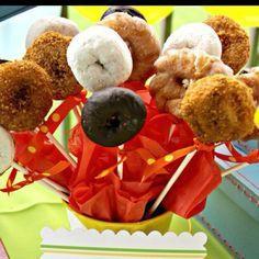 Party Donut Displays   pasteles, cupcakes y popcakes