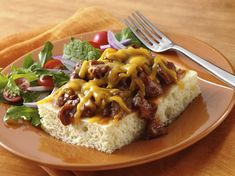 Barbecue Beef Cheese Melts (use gluten free Bisquick & BBQ sauce) Bisquick Recipes, Cheese Recipes, Beef Recipes, Dinner On A Budget, Dinner Ideas, Dinner Recipes, Food 101, Beef Tips