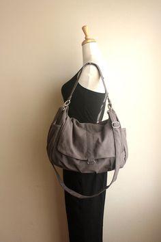Daniel bag, in grey canvas. Big enough for all my gaming stuff?