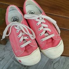 Girls Keen sneakers size 2 Coral colored canvas sneakers.  Size 2.  No real wear.  Minor stains. Keen Shoes Sneakers