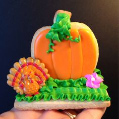 Made this Thanksgiving pumpkin with turkey cupcake ring topper :)