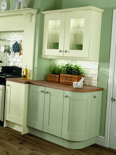 24 Entertaining Clean Sage Kitchen Cabinets Ideas – Love Home Sage Green Kitchen, Green Kitchen Walls, Green Dining Room, Kitchen Wall Colors, Ivory Kitchen, Shabby Chic Kitchen, Country Kitchen, Kitchen Units, Kitchen Cabinets