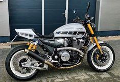 Yamaha Cafe Racer, Cafe Racer Motorcycle, Cafe Racers, Custom Street Bikes, Custom Bikes, Xjr 1300, Cafe Racer Style, Bike Design, Scrambler