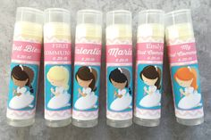 This listing is for a set of 6 Custom First Communion Lip Balm favors. You can choose the Boy set or the Girl set from the drop-down menu when