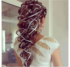 There are so many beautiful bridal hair styles for wedding day and every style have its own glamour. Check these out bridal hair styles photos and get inspired Hair Dos, My Hair, Pretty Hairstyles, Wedding Hairstyles, Amazing Hairstyles, Grecian Hairstyles, Renaissance Hairstyles, Fashion Hairstyles, Hairstyles 2016