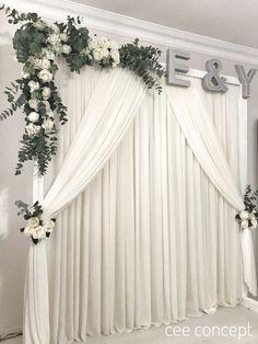 Wedding Stage Backdrop, Wedding Backdrop Design, Wedding Wall Decorations, Wedding Mandap, Engagement Party Decorations, Backdrop Decorations, Wedding Receptions, Decoration Evenementielle, Wedding Background