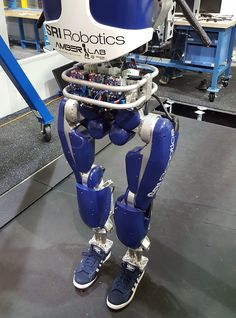 DARPAs DURUS Robot Walks Exactly Like A Human - The question is no longer if we will see iRobot humanoids in our society but when. DARPA's DURUS robot is learning how to walk exactly like a human. Ai Artificial Intelligence, Real Robots, Humanoid Robot, Fancy Shoes, Robot Design, Futuristic Design, Future Tech, Science And Technology, Technology Updates