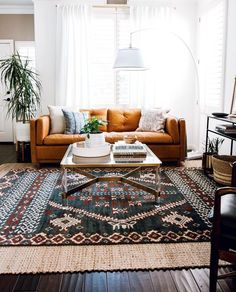 Colorful Hotelette Dallas AirBnb Home Tour 2019 warm living room // orange sofa // layered rugs The post Colorful Hotelette Dallas AirBnb Home Tour 2019 appeared first on Sofa ideas. Living Room Orange, Eclectic Living Room, Boho Living Room, Home And Living, Living Room Designs, Interior Design Living Room Warm, Modern Living, Living Area, Colorful Living Rooms
