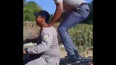 Vealo: Agentes De La Policia Nacional Haciendo Piruetas En Motocicleta