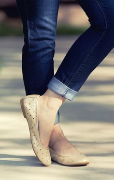 Flats + Skinnies! By @happysolez