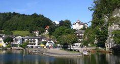 ღღ View from the shore to the center of Traunkirchen.