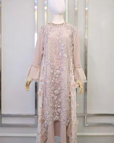 Kebaya Modern Hijab, Dress Brokat Modern, Model Kebaya Brokat Modern, Kebaya Dress, Dress Pesta, Abaya Mode, Mode Hijab, Lovely Dresses, Trendy Dresses