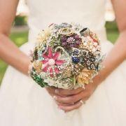 BOUQUET STYLE: petite pastel hue broach bouquet #jewelry_bouquet #nontraditional_bouquet