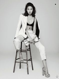 'White on White' Han Hye Jin by Park Ji Hyuk for Marie Claire Korea March 2013 [Editorial] - Fashion Copious Model Poses Photography, Editorial Photography, Asian Photography, Glamour Photography, Photography Office, Lifestyle Photography, Portrait Editorial, Photography Outfits, Small Photography Studio