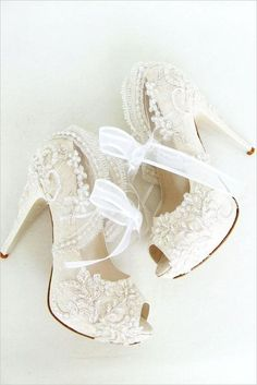 lace wedding shoes #weddingchicks by Dakota Smith