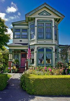 Victorian home, Ferndale, CA -- DSC01118 by Lance & Cromwell, via Flickr