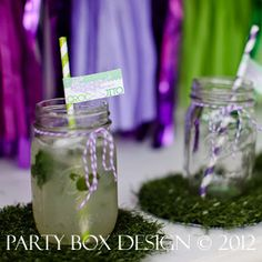 mojitos, signature cocktail, straw flags, drink flags, crocodile party, croc-o-jitos via party box design, grass. photos via adele lee photography!
