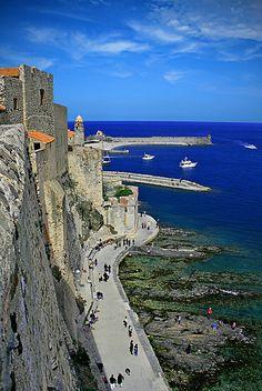 Vorejant la costa, Collioure, France