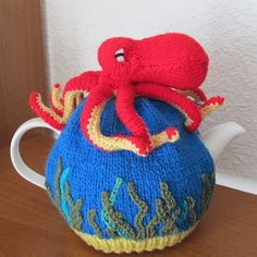 octopus tea cosy © isabelle-andreo