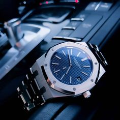 Stylish Watches, Luxury Watches For Men, Cool Watches, Rolex Watches, Tag Watches, Audemars Piguet Gold, Audemars Piguet Watches, Ap Royal Oak, Cartier Tank Solo