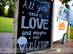 Rent an ice cream cart for sweet treats at your southern wedding | www.SouthernBrideandGroom.com | Photo by @darablakeley