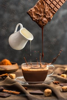 7 Agreeable Cool Tricks: Friends And Coffee Quotes modern coffee maker.Coffee Barista Sugar coffee ideas for kitchen.But First Coffee Typography. Coffee Cafe, Coffee Drinks, Coffee Shop, Coffee Barista, Coffee Creamer, Cuban Coffee, Coffee Aroma, Coffee Menu, Coffee Scrub