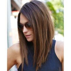 We've always loved the chic lob cut! What do you think? #chic #lob #bob #hair…