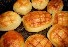 Moje maminka mi ukázala, jak připravit zmrzlé brambory a teď je dělám vždy jako přílohu k masu. Ta chuť je neskutečná Russian Recipes, Hot Dog Buns, Cooking Tips, Pancakes, Muffin, Bread, Vegan, Breakfast, Food