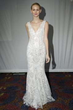 Cymbeline - Bridal Fall 2013    TAGS:Embroidered, Fishtail, Floor-length, Straps, Train, White, Cymbeline, Lace, Silk, Dramatic, Elegant, Romantic