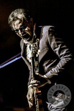 Photo Outside the Industry: Joe Bonamassa. I'm a fan of this guy! Thought the picture was cool. Music Guitar, My Music, Guitar Room, Hart Joe, Beth Hart, William Christopher, Best Guitar Players, Joe Bonamassa, Best Guitarist