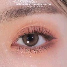 Korean Makeup Look, Asian Eye Makeup, Eye Makeup Steps, Makeup Eye Looks, Eye Makeup Art, Natural Eye Makeup, Mono Lid Eye Makeup, Face Makeup, Korean Makeup Tips