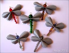 -maijun- tekeleitä: Lenteleviä Dragon Fly Craft, Leather Projects, Leather Crafts, Beaded Ornaments, Upcycle, Diy And Crafts, Jewelry Making, Drop Earrings, Create