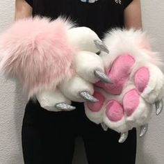 This completed handpaw commission comes with holographic vinyl claws, pink minky pawpads, white toes and light pink wrists! Wolf Fursuit, Fursuit Paws, Fursuit Head, Fursuit Tutorial, Furry Suit, Furry Drawing, Anthro Furry, Animal Costumes, Kawaii Clothes