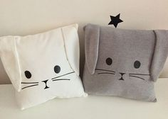 Super Cute Kids Pillow Ideas For Nursery Room Decorating - Pillow Art Cute Pillows, Baby Pillows, Kids Pillows, Bolster Pillow, Pillow Room, Pillow For Baby, Baby Sewing Projects, Sewing Patterns For Kids, Baby Patterns