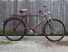 Old Bicycle, Vintage Bikes, Road Bike, 1950s, Vroom Vroom, Paint, History, Country, Countertops