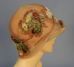 Old Fashioned Clothes : LOT 426 - whitakerauction Cloche Hat - 1920s Outfits, Vintage Outfits, Vintage Fashion, Fashion Outfits, Vintage Hats, Victorian Fashion, Fashion 1920s, Vintage Prom, Vintage Purses