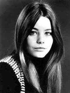 Susan Dey Long straight hair parted in the middle 1970s Hairstyles, Vintage Hairstyles, Pretty Hairstyles, Straight Hairstyles, Susan Dey, 60s And 70s Fashion, Partridge Family, Mode Vintage, Most Beautiful