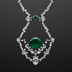 @realm_of_jeweller. Emerald is the birthstone of May and its rich green color reminds us of spring and natural rebirth and renewal. Emeralds throughout history have been used as symbols of sincerity and kindness and they were the gemstone dedicated to the goddess of beauty, Venus. On the picture fascinating Dentelle necklace created by eminent French Maison Reza which is unveiling its latest creations at the @tefaf_art_fair 2017
