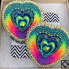 Beaded Earrings Native, Beaded Earrings Patterns, Native Beadwork, Native American Beadwork, Seed Bead Earrings, Beading Patterns, Japanese Sewing Patterns, Beadwork Designs, Beaded Lanyards