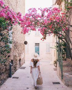 St Tropez take me back